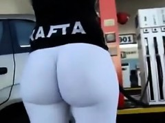 bigass-at-gasstation