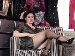 stylish-fiona-in-pantyhose