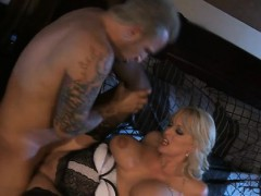 guy-plays-with-luscious-snatch-after-getting-big-knob-sucked
