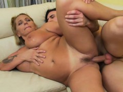 naughty-hotties-net-mature-mama-gettin-all-dirty