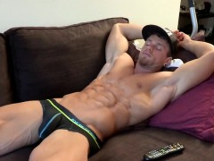 bodybuilder-loves-to-striptease