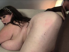 huge breasted plumper lexxxi luxe has a black bull drilling her vagina