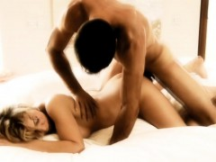 lovely-couple-having-an-intimate-and-relaxing-moment