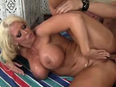 massive titties and huge butt backdoor – نيك طيز كبير