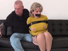 adulterous-british-milf-lady-sonia-shows-off-her-heavy-titti