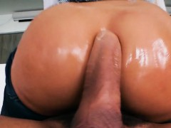 hottie-luna-star-gets-her-bumhole-stretched