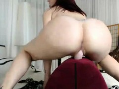 bubblebutt-and-laud-redhead-cowgirl-ride