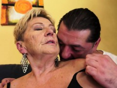 chubby-gilf-pounded-in-her-hairypussy