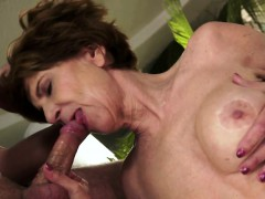 faketit granny jizzed in mouth after banging