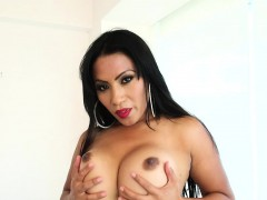 milf-chubby-shemale-plays-solo