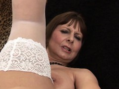 giant-titted-mama-playing-and-gett-jettie-from-dates25com