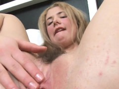 Kissable Chick Is Gaping Narrowed Crack In Close-up And Clim