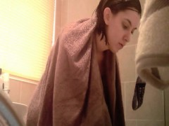gets-caught-on-camera-within-the-bath