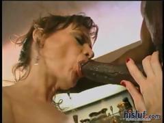 this-slut-rubs-her-clitoris