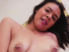 naive-sister-gets-seduced-and-passionately-fucked-in-pov