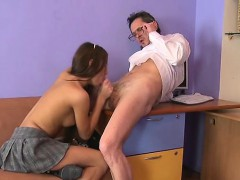 chick-is-delighting-older-teacher-with-her-beaver