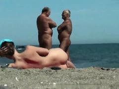 voyeur-pussy-beach