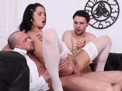 Teen Courtesan Angie Moon Enjoys Double Dicking