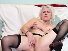 british mature lady playing with herself WWW.ONSEXO.COM
