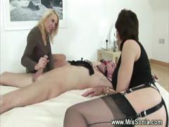 dominas-queening-their-sexslave