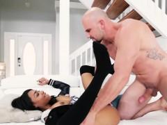 Mofos - Dont Break Me - Big Titty Ebony Chick