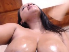 Solo By Hot Naughty Oiled Tits Camgirl