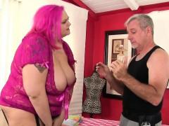 Fatty Sara Star Receives A Sex Toy Massage