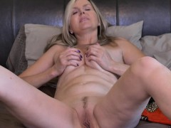 natural blonde mature fingers herself Hot