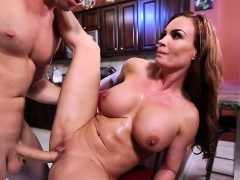 Brazzers – Mommy Got Boobs – Diamond Fo and S