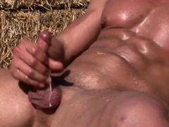 straight-muscle-jock-cocksucking-and-jerking