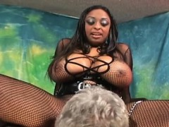 black attractive babe blows white one-eyed big