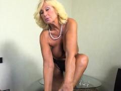pretty-mature-lady-massaged-and-fucked