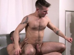 Hunks Are In Love With Fucking On The Daybed In Anal Manners
