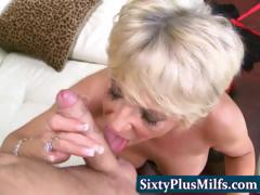 experienced-gilf-fucking-and-sucking