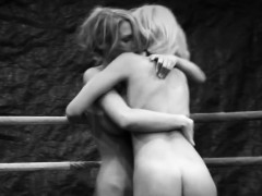 Wrestling Lesbos Licking Pussies In Sixtynine