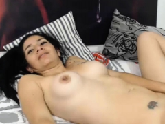 Colombia Couple Gives Cumshoot With Her Sexy Colombiana
