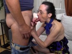 Mature lady fucking and sucking
