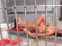 london-and-jessica-are-jailhouse-bitches