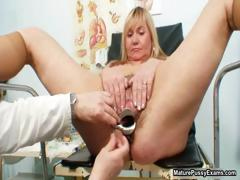 horny-housewife-giving-part6