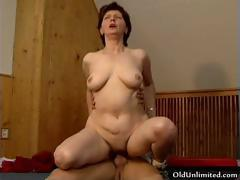 dirty-mature-woman-going-crazy-getting-part2
