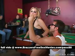 amateur-blonde-slut-in-a-bar-plays-pool