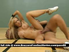 super-sexy-naked-blonde-chick-on-the-basketball-court-gets