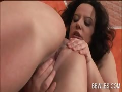 nasty-bbw-lesbo-licks-gf-s-horny-cunt-and-ass