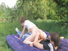 teenagers-havingsex-in-the-forest