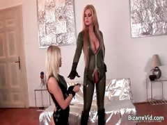 two-kinky-hottie-in-latex-clotn-sucking-part6