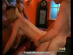 hot-dirty-blonde-slut-wanks-her-pussy-part1