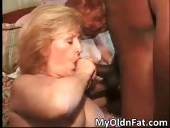 huge booty hot milf gets moist pussy part2