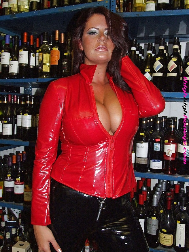 chubby latex - ... Pretty chubby girl in latex - N ...