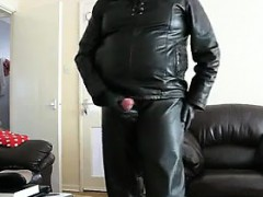 masturbating-in-leather