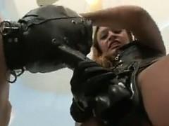 dominatrix-fucking-with-a-strapon